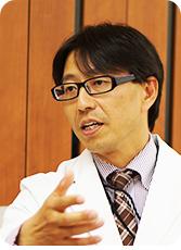さかのデンタルクリニック院長の坂野智三の写真